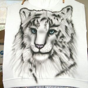 SNOW LEOPARD Airbrushed T-shirt Custom Made